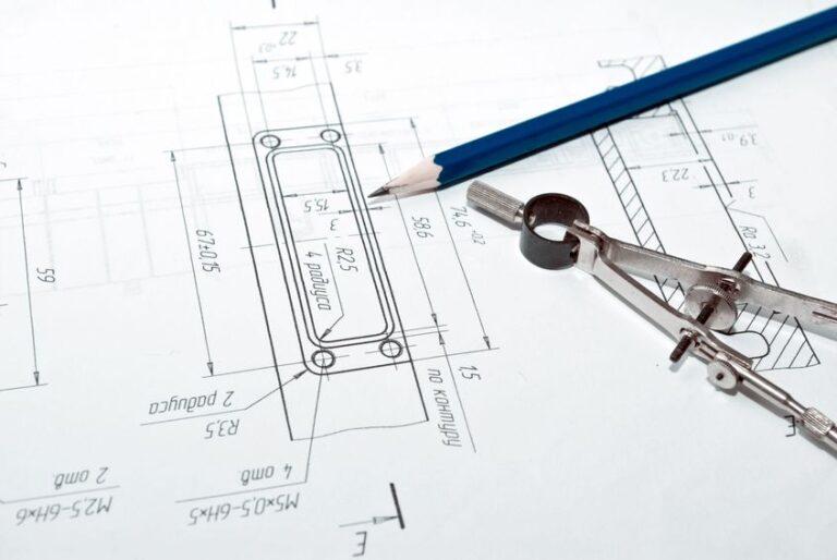 מהו תפקיד המהנדס ובאיזה שלב בתכנון הבית הוא נכנס לתמונה?